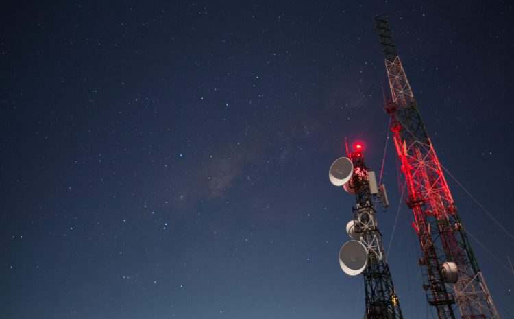 What Are the Safety Risks of Nighttime Tower Climbs?